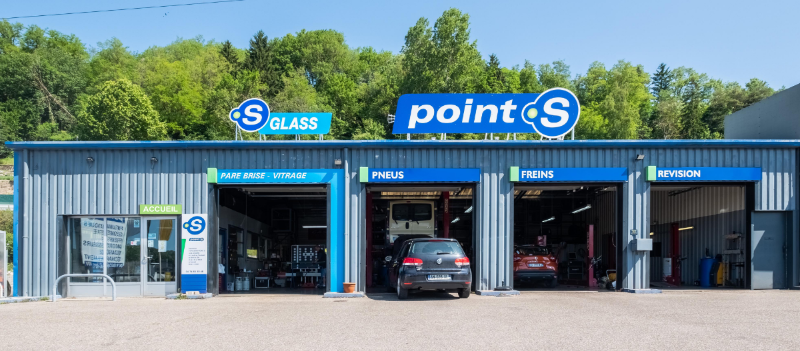 S Point Glass