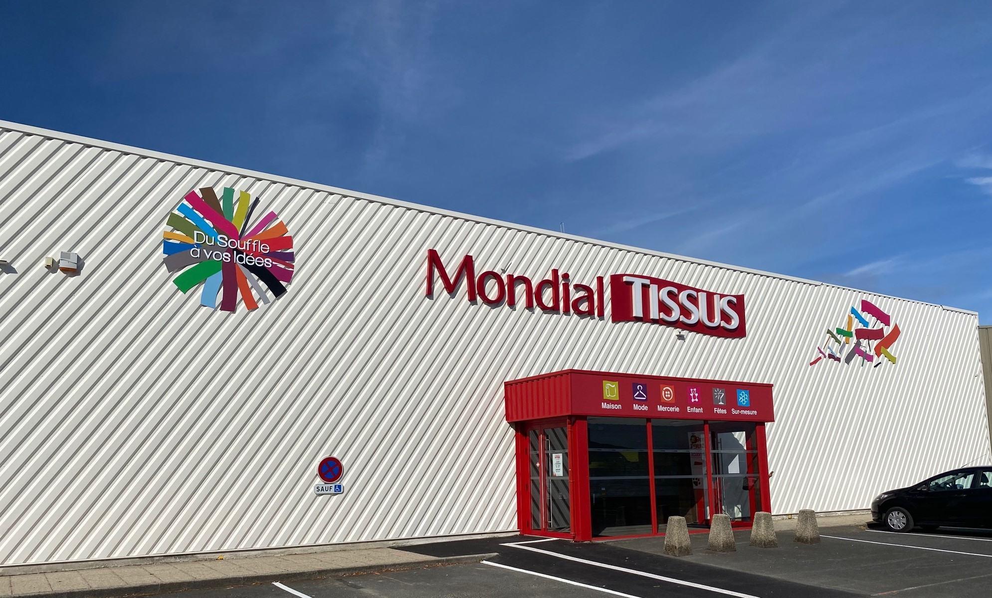 Devanture magasin Mondial Tissus Saint Brieuc