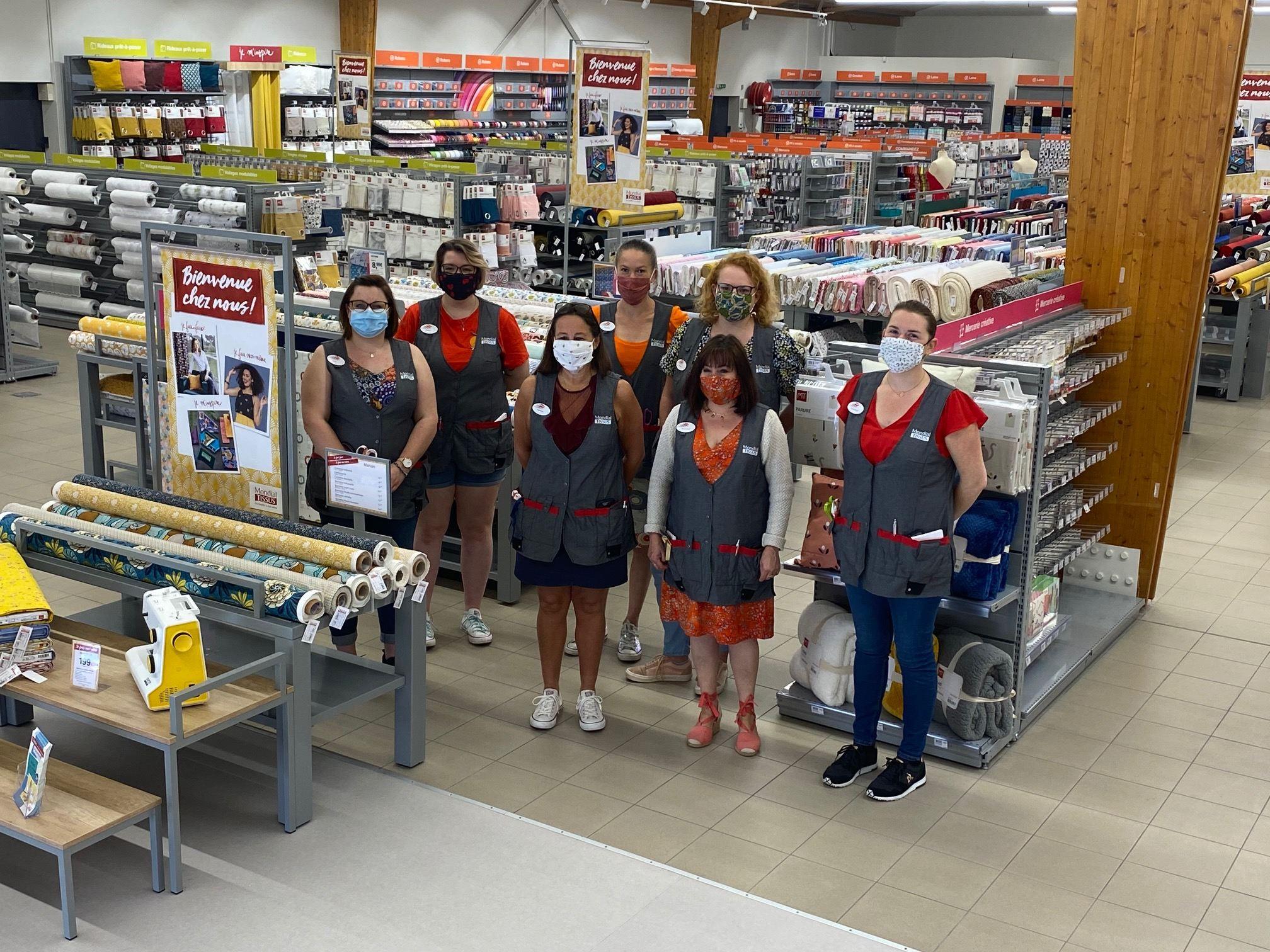 Personnel du magasin Mondial Tissus Saint-Brieuc