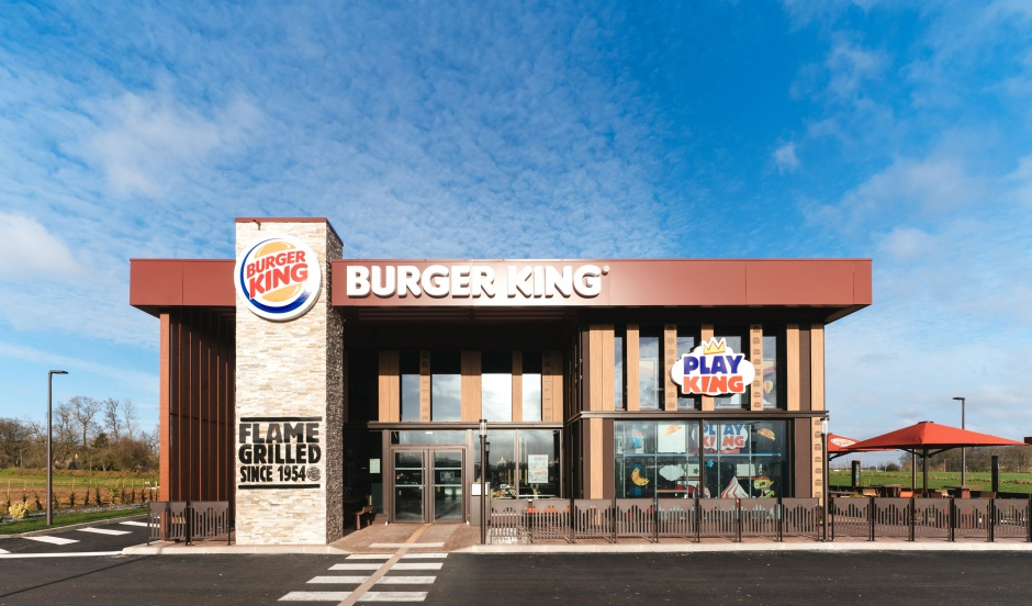 vue extérieure d'un restaurant Burger King