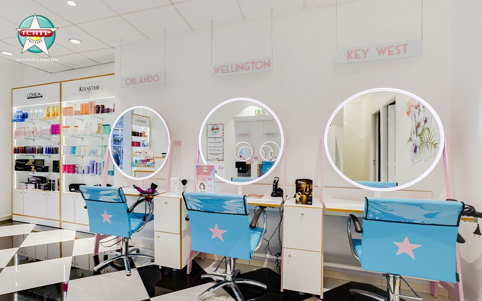 Interieur salon coiffure Tchip