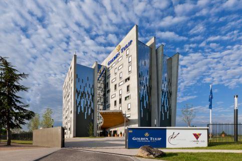 Cha ne d 39 hotel golden tulip recherche franchis et g rant for Chaine hotel