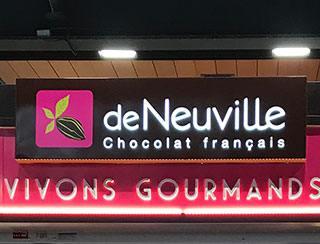 La franchise De Neuville inaugure un kiosque new look à la Gare Du Nord à Paris