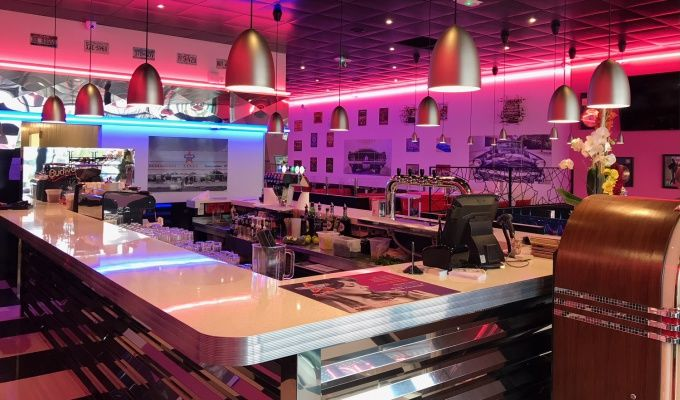 Franchise memphis coffee 2018 ouvrir restaurant for Decoration americaine annees 50