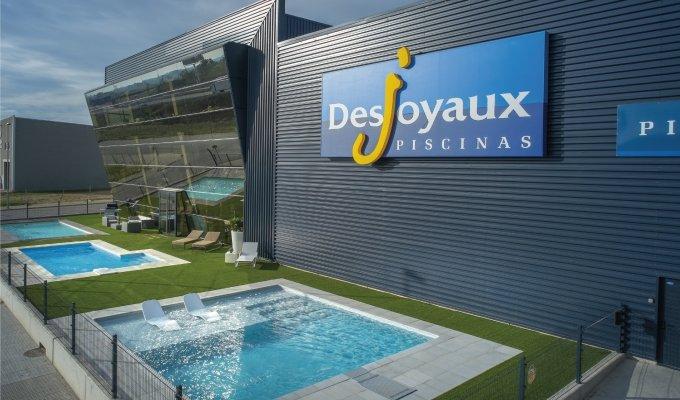 franchise piscines desjoyaux 2018 ouvrir concepteur de piscine pour toutes les familles. Black Bedroom Furniture Sets. Home Design Ideas