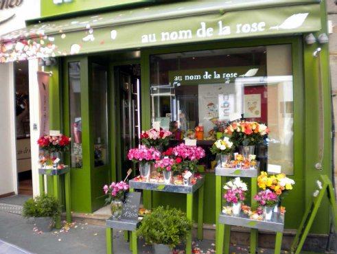 Au Nom de la Rose, rue des Batignolles, Paris