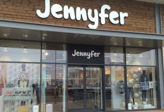 jennyfer poursuit son d veloppement en commission affiliation. Black Bedroom Furniture Sets. Home Design Ideas