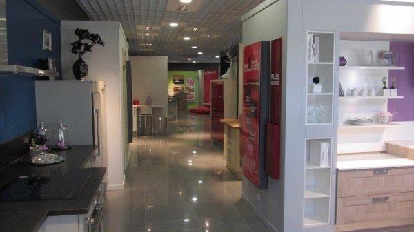 cuisines plus ouvre un magasin franchis pr s d avignon. Black Bedroom Furniture Sets. Home Design Ideas