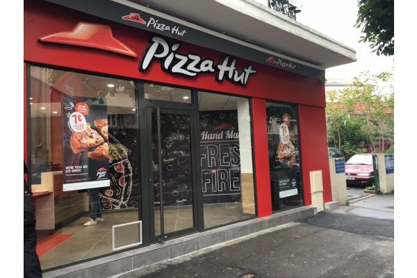 Pizza Hut Renforce Son Maillage En Ile De France Et Ouvre Une