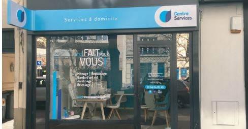 cfa4fb6974 L'agence Centre Services de Vincennes met à jour sa devanture et son  intérieur