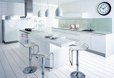 franchise cuisinella des compromis sur mesure. Black Bedroom Furniture Sets. Home Design Ideas
