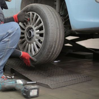Centre auto, entretien et réparation